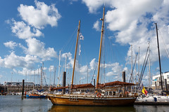 Wooden yacht (paul indigo) Tags: sailing ship harbour yacht mooring sail oostende paulindigo