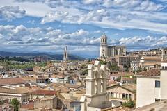 Torres (JC Arranz) Tags: españa arquitectura edificios nikon catedral iglesia ciudad cielo nubes monumentos cataluña tejados gerona torres panorámica d3200