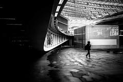 Curve & photograph (tomabenz) Tags: street urban bw paris monochrome noiretblanc streetphotography bnw leshalles streetview chatelet streetshot sonya7rm2 a7rm2