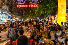 Night Market Hanoi (Marc Molenaar) Tags: city people night asia streetphotography vietnam nightmarket nightlife hanoi crowds oldquarter