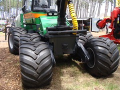 Forexpo 2016(93) (TrelleborgAgri) Tags: forestry twin tires trelleborg skidder t480 forexpo t440