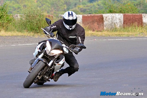 Benelli-TNT-899-Test-Ride