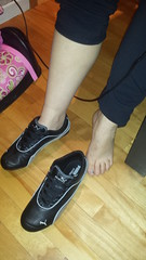 2014-11-18 19.50.31 (qwertyosi) Tags: new girls feet soleil women shoes sneakers puma