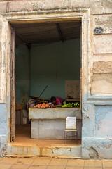 Vegetable shop in Camagey - Cuba (franz_87) Tags: vegetables shop architecture arquitectura open air cuba entrance tienda negozio entrada camaguey aire libre architettura vegetales verdura entrata allaperto
