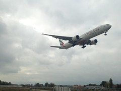 EMIRATES. A6-ENQ. Boeing 777-31H(ER). (Themarcogoon49) Tags: airplane aircraft emirates boeing planespotting b777 gva avgeek