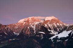 Erleuchtung (robert_pfiffner_fotografie) Tags: mountain berg zeiss sunrise germany landscape deutschland berchtesgaden nikon f14 right 55mm lee stuff really filters landschaft d800 otus morgenrot rrs knigsee schnau grnstein leefilters zf2