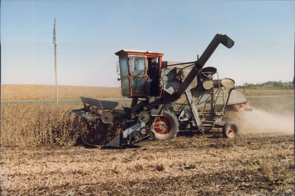 Gleaner E Combine : The world s best photos of combine and gleaner flickr