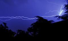 Coups & lumire (Anthony.Du) Tags: blue light bleu lumiere lightning nuit eclair tonnerre