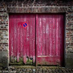 Magenta Door (Scrufftie) Tags: travel color colour texture canon belgium brugge magenta bruges lightroom photoshopcc canonef1635mmf4 canon5dsr