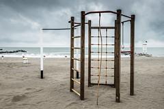 Giochi (Vanda Guazzora) Tags: italia autunno lungomare spiaggia stagioni abbandono misano
