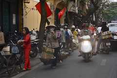 Hanoi's Old Quarter traffic (Linas G) Tags: street asia traffic vietnam hanoi oldquarter