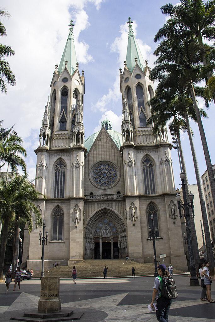 Tour Centro Histórico de São Paulo - Catedral da Sé por fora e marco zero