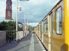 U-Bahn Grli, Berlin (petzoj) Tags: berlin analog mediumformat kodak ubahn 6x45 metrostation 80mm portra400 grli colourfilm zenzabronicasqa zenzazon grlitzerbhf zenzazon80mmps