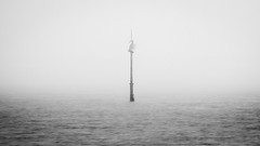 Perdu dans le brouillard (dono heneman) Tags: ocean sky cloud france nature water fog lost blackwhite eau noiretblanc pentax nb ciel nuage brouillard perdu dans brume ocan minimaliste minimalisme paysdelaloire loireatlantique ocanatlantique quimiac mesquer panneaudesignalisation pentaxart pentaxk3