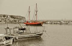 Venetian Harbor of Rethymnon (CardCollector & HobbyPhotographer) Tags: harbor ship colorkey creteisland rethymon fujifilmxe1