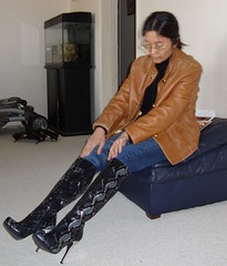 Snake print (Foxywalk) Tags: portrait lady asian boots chinese heel pant 人像 patent 靴 長靴 高跟 高跟靴 直筒长靴