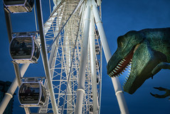 Niagara Skywheel (Jack Landau) Tags: niagara skywheel ferris wheel ride dinosaur trex t rex clifton hill
