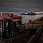 "Barentsburg <a style=""margin-left:10px; font-size:0.8em;"" href=""http://www.flickr.com/photos/148015128@N06/30240950176/"" target=""_blank"">@flickr</a>"