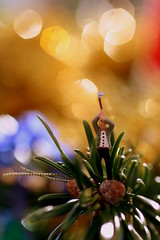 Trimming the Tree (Crisp-13) Tags: christmas tree pine saw bokeh needle tinsel axe ho bauble figures lumberjack noch holzfaller treefeller