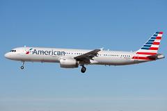 N587UW_A321_KLSV_6362 (Mike Head -Jetwashphotos) Tags: las usa america us nevada nv airbus americanairlines aa klas aal a321 mccarraninternationalairport a321231 exusairways