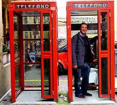 Antonio (Giulio Buonomini) Tags: street city italy italia gente persone cabina bologna telefono