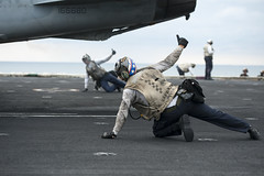 USS Carl Vinson (CVN 70)_141124-N-TP834-210 (U.S. Naval Forces Central Command/U.S. Fifth Fleet) Tags: jr arabiangulf usscarlvinson carlvinsoncarrierstrikegroup carrierairwing17 mc2johnphilipwagner