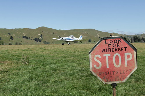 Airfield control - DIY style! Kawhatau 2014