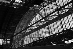 _SDI1506 (johnny...collewijn) Tags: bw amsterdam centralstation 2014 stationroof dp2q