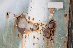 Puerta, o lo que queda de ella (inma F) Tags: santacruz casa calle urbandecay edificio ruina pintada abandonada