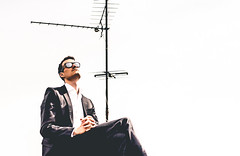 Charlie. On the Roof. (Sophist_) Tags: roof sunglasses hamburg shades suite dach chill antenne sonnenbrille anzug
