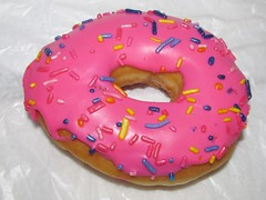 7-Eleven Sprinklelicious Donut (Pest15) Tags: sprinkles donut doughnut thesimpsons treat homersimpson nationaldonutday nationaldoughnutday 7elevensprinkleliciousdonut