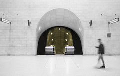Southwark Ghost (sisyphus007) Tags: world england bw london canon buildings underground subway gold golden tubestation modernarchitecture futuristic jubileeline cityoflondon modernbuildings southwarktubestation michaelkiedyszko exploringtheunderground