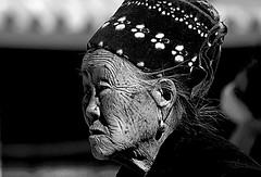 old woman Yunnan China (ichauvel) Tags: voyage china old travel portrait woman white black face outside asia noir day market expression femme streetportrait jour asie yunnan dali et march blanc chine visage vieille exterieur age portraitderue