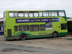 Southern Vectis 1951 (Southdown 404 DCD) Tags: bus station southern vectis 1951 ryde