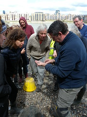 Allan explains some of his finds (Thames Discovery Programme) Tags: london archaeology training community riverthames rotherhithe thamesdiscoveryprogramme fsw03