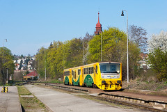 814.224 Os 9010, Praha-Brank (Martin Majtn) Tags: station yellow train praha 814 vlak branik 8142 stanica d stanice regionova szdc prahabrank