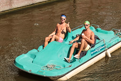 Keizersgracht - Amsterdam (Netherlands) (Meteorry) Tags: friends shirtless holland cute boys water netherlands smile sunglasses amsterdam june happy canal spring europe lads turquoise candid chest nederland hunk guys converse torso float spaarndammerbuurt mates paysbas printemps chucks allstars keizersgracht westerpark chucktaylor noordholland gracht leidsestraat waterbike 2016 meteorry watersportcentrum torses amsterdampeople