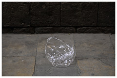 Barcelona_0157 (Thomas Willard) Tags: barcelona espaa trash spain wrapper