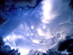 sky-view (oxyrhynchos - OLOliuqui) Tags: blue sky cloud clouds view topv1111 dramatic himmel wolke wolken atmosphere heavens hdr theblue celestial meteorology nwn weatherphotography