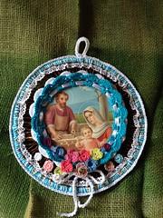 Croche em palha (Mar de Artes) Tags: crochet quadro altar sagradafamilia croche
