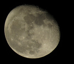 My moon (jhonnyferreira640) Tags: moon canon powershot craters crater canonsx60