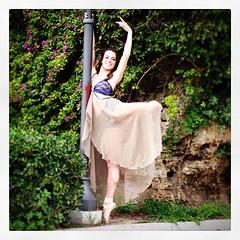 Www.lasinfoniadellabellezza.it #streetart #streetphotography #ballet #ballerina  La sinfonia della bellezza The revolution of The beauty (frankrizz) Tags: square squareformat unknown iphoneography instagramapp uploaded:by=instagram foursquare:venue=4e46f233b61c03d0cd137eb1