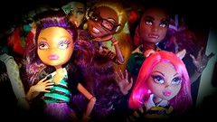 The Wolf family (custombase) Tags: family wolf clawdia clawd howleen clawdeen monsterhigh