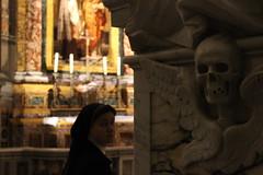 IMG_5748 (andreaGalle) Tags: light vatican rome roma art church statue skeleton skull gold lights catholic arte ombra nun sacre christian holy chiesa morte catholicchurch luci angelo suora statua affreschi fresco luce vita sorpresa teschio sacro vaticancity affresco frescos marmo pensiero mistero scheletro religiosit holychurch