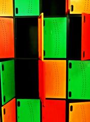 Lockers (Orzaez212) Tags: verde negro olympus colores boxes formas naranja lineas filtro casillero combinacin rectngulo
