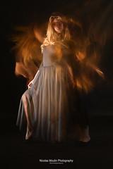 Yaiza (Nicolas Moulin (Nimou)) Tags: motion blur interior estudio modelo baile dansa