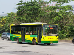 临时支援2/Temporary Support II (KAMEERU) Tags: guangzhou bus public transportation gz6112sv1