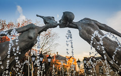 The Kiss (laskaproject) Tags: city sunset sky moon fall monument water fountain statue droplets twilight nikon kiss couple europe dusk ukraine lovers crescent kharkov kharkiv d300