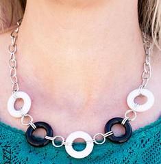 5th Avenue White Necklace K2 P2620-3