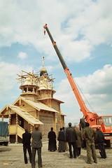 78. Подъем крестов с луковицами на Всехсвятский храм 2002 г